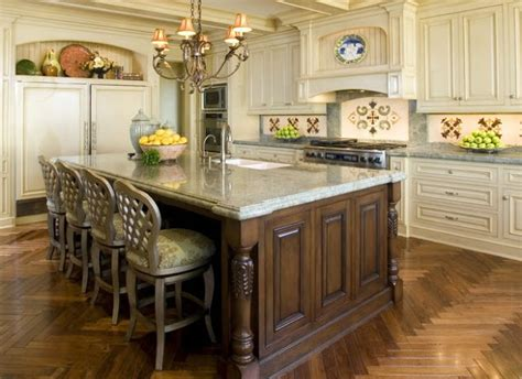 beautiful traditional kitchens accessorize a beautiful traditional kitchen