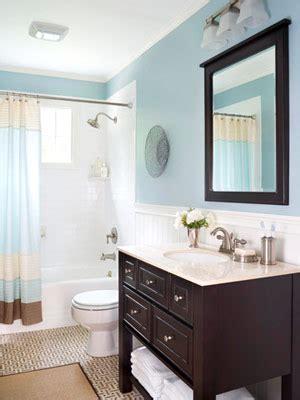 bloombety wainscoting in bathroom ideas with pale blue reforma barata de banheiro veja dicas