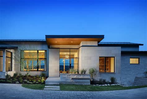 single story homes on pinterest tile flooring 3 car fachadas de casas modernas com telhado embutido e