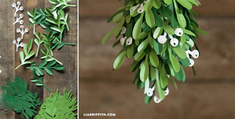 How To Make Mistletoe Out Of Paper - how to make paper mistletoe diy crafts handimania