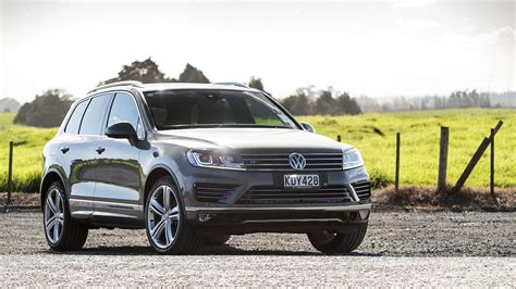 vw touareg reviews 2017 volkswagen touareg review roadtest
