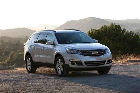 2015 gmc acadia vs 2015 chevrolet traverse whats the difference