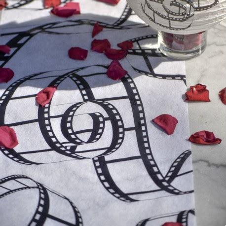 chemin de table th 232 me cin 233 ma les couleurs du mariage