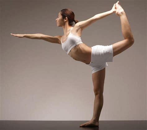 tutorial sobre yoga how to do lord of the dance pose and what are its benefits