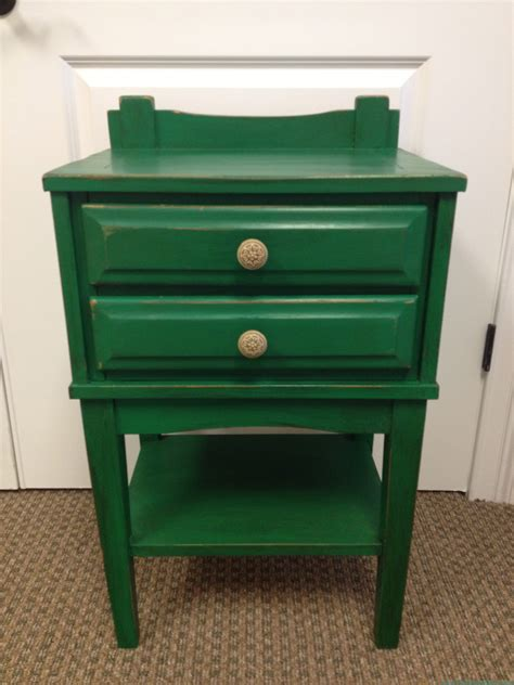 Green Nightstand Emerald Nightstand Trying Out The 2013 Color Of The Year