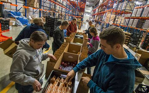 Franklin Ohio Food Pantry by Lines At The Pantry Hunger And Need On The Rise In