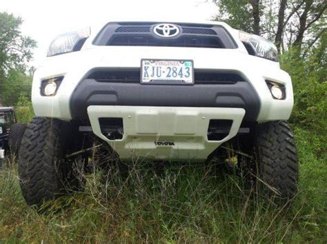 2010 toyota ta tailgate lets see 2012 s with toyota accessory skid plate