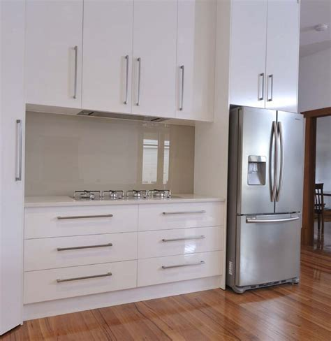 cheap kitchen splashback ideas white kitchen glass splashback google search