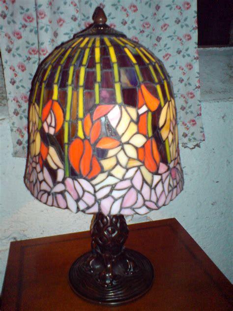 besondere aeltere tiffany lampe relativ gross antik moebel