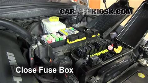 replace  fuse   jeep commander  jeep commander limited