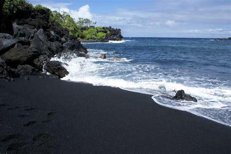 black sand beach hawaii beachin black sand beach hawaii
