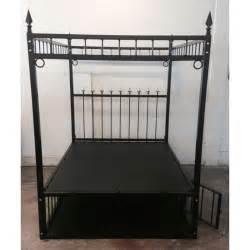 size alex bed w cage