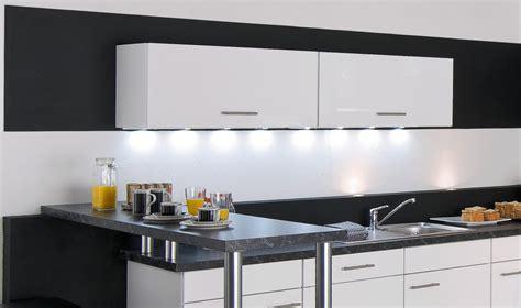 eclairage cuisine led eclairage led plan de travail cuisine ziloo fr