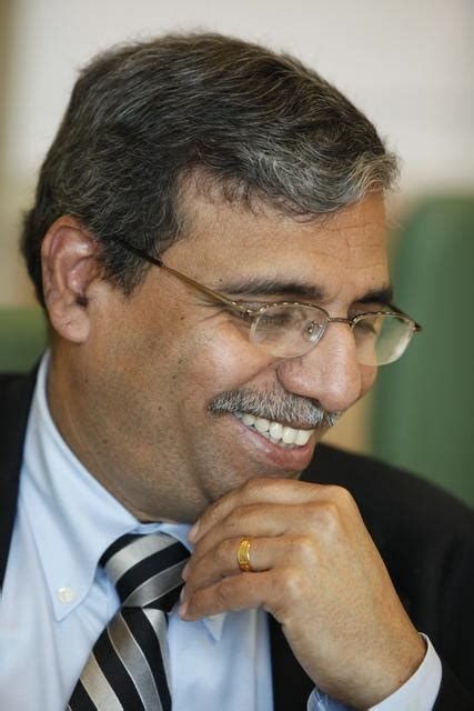 Dean Of Insead Mba by Insead Dean Placed On Leave
