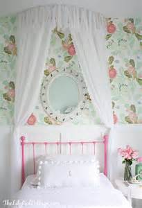 Wallpapered Bathrooms Ideas by Big Room Canopy