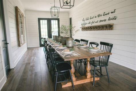 Barn Doors Cafe 20 Best Fixer Upper Rooms Magnolia Home Favorites A