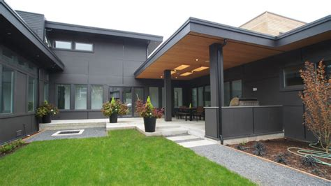 courtyard house atelier drome a d modern courtyard home modern patio seattle by