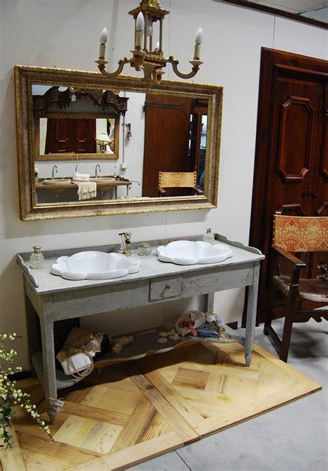 porte da bagno mobile da bagno con base antica porte passato