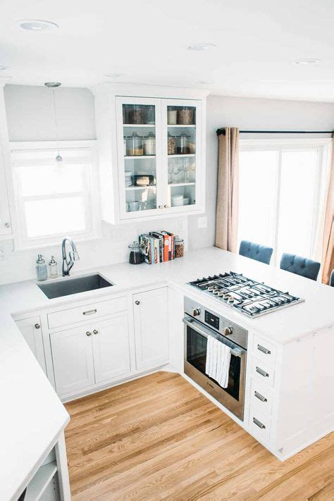 white small kitchen designs 1000 ideas about small white kitchens on pinterest
