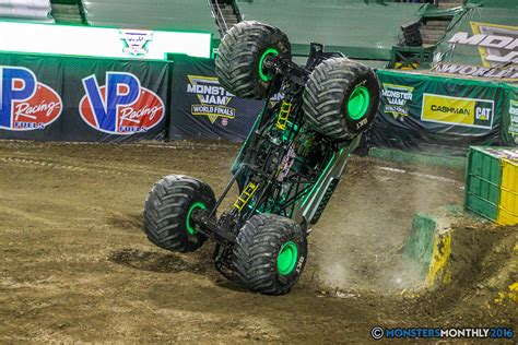 monster truck freestyle monster jam world finals vii freestyle gallery set four