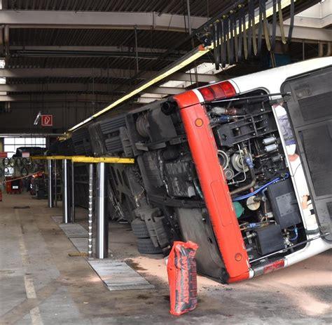 werkstatt hebebühne bochum gelenkbus f 228 llt auf kfz monteure welt