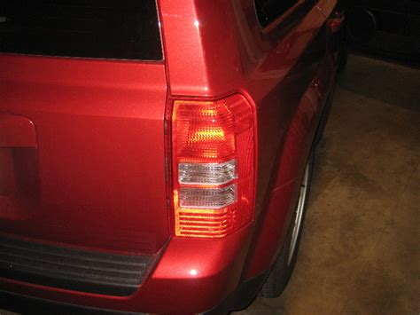 jeep patriot rear lights 2007 2016 jeep patriot light bulbs replacement guide 001