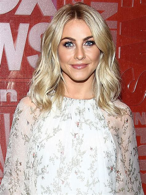 what is the description of julianne hough s haircut in safe haven look of the week julianne hough s shimmery smoky eye
