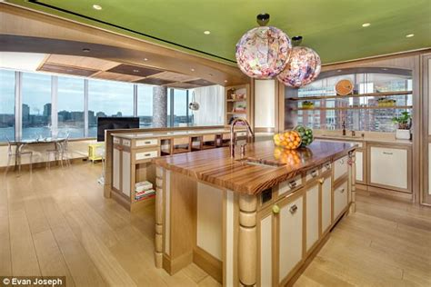 on the market five bedroom duplex apartment in kensington tyra banks lists new york duplex for 17 5 million daily