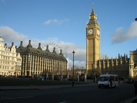 Kensington Palace London by Londyn Westminster