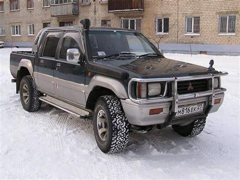 1994 Mitsubishi Strada Photos