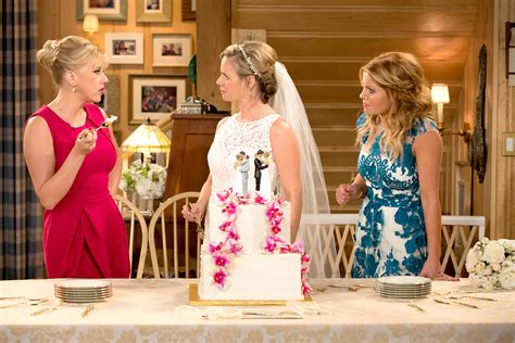 full house series finale uncle jesse aunt becky s fuller house wedding vow renewal photos