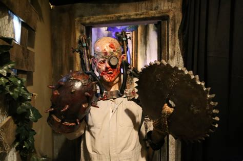 mortuary haunted house halloween in new orleans nola haunted attractions