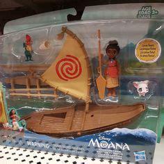 moana boat toys r us canoa de aventura moana moana fiesta pinterest