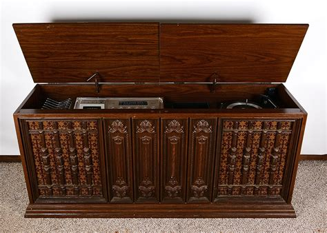1970 s stereo cabinet 1970s capehart stereo console ebth