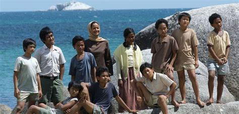 sinopsis film laskar pelangi in english pinterest the world s catalog of ideas