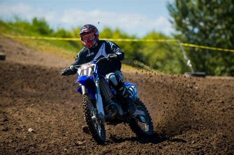 4 stroke motocross bikes 2 stroke vs 4 stroke dirt bike how they measure up on