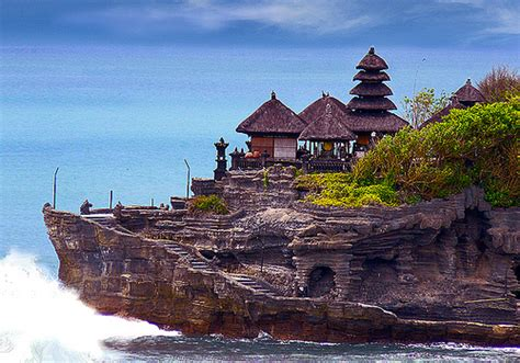 along with the gods indonesia most amazing hindu t emple in bali tanah lot saiprema