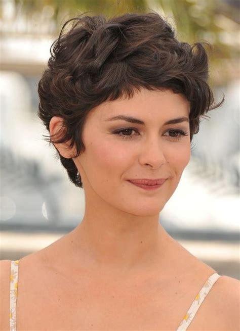 best 25 short wavy hairstyles ideas on pinterest short 20 ideas of short haircuts for wavy frizzy hair