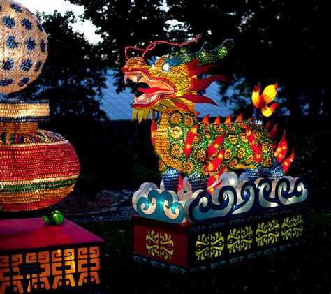 Botanical Gardens Lantern Festival Craftiments Flickering Paper Lanterns On A Stick