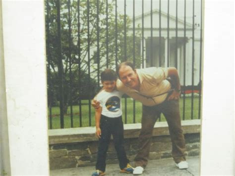 pablo escobar white house pablo escobar with one of his children posing in front of the white house in