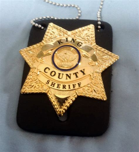 dead s badge books the walking dead king county sheriff badge rick grimes