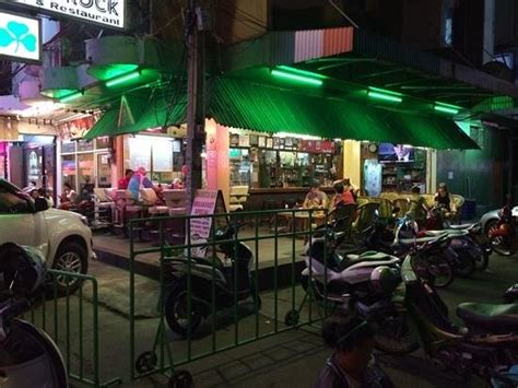 an oasis in the madness review of shamrock pattaya