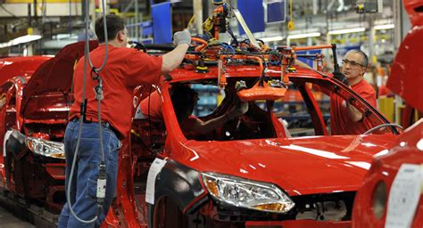 Ford Us Employees Pay Ford Pondering Salary Buyouts In Extensive Cuts