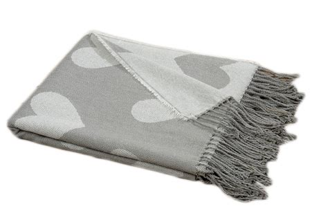 decke wohndecke decke mit herzen wohndecke kuscheldecke picknickdecke grau
