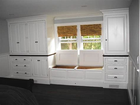 Built In Bedroom Dresser by 17 Best Ideas About Built In Dresser On Closet