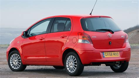 nearest toyota toyota yaris wallpapers photos images in hd