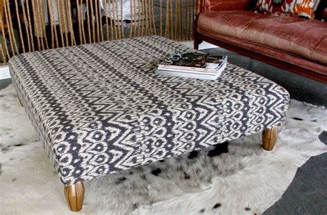 Diy Upholstered Ottoman Coffee Table Diy Upholstered Pallet Ottoman Coffee Table By Shelly Leer Modhomeec For The Home