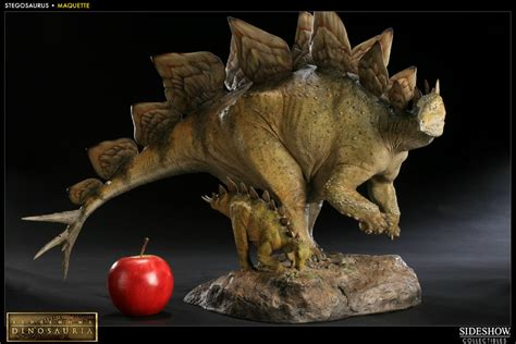 dinosauria stegosaurus maquette by sideshow collectibles