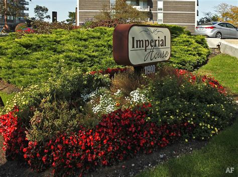 imperial house apartments imperial house apartments lakewood oh apartment finder