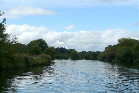 thames river islet river thames past magna carta island pictures of